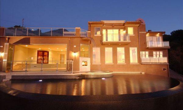 Villa Shiraz